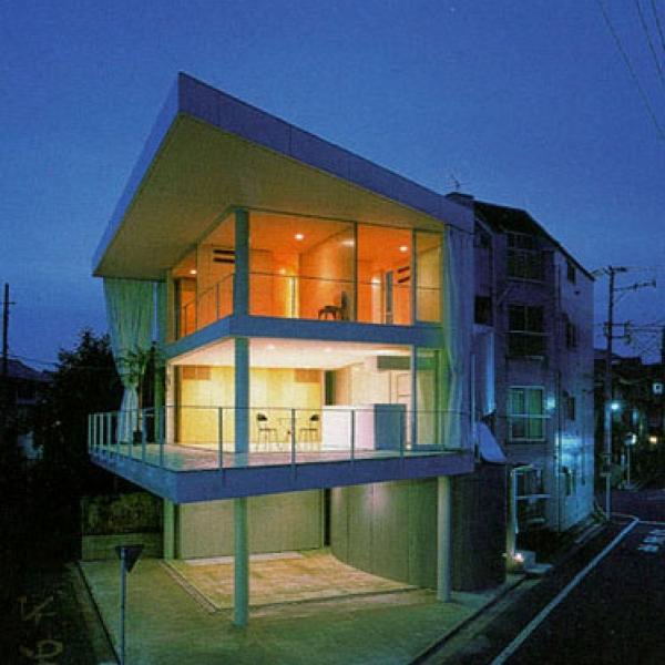 Curtain Wall House Shigeru Ban 03 600x600 c