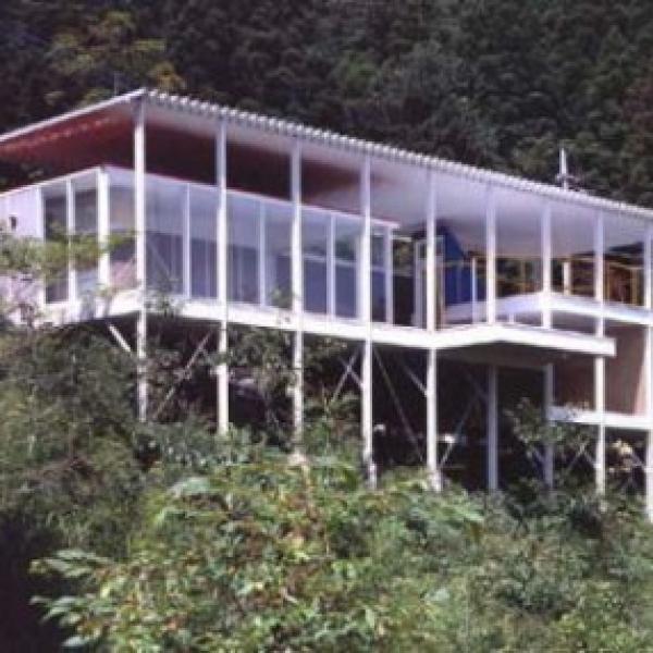 House Of Double Roof Shigeru Ban 01 430x286 600x600 c