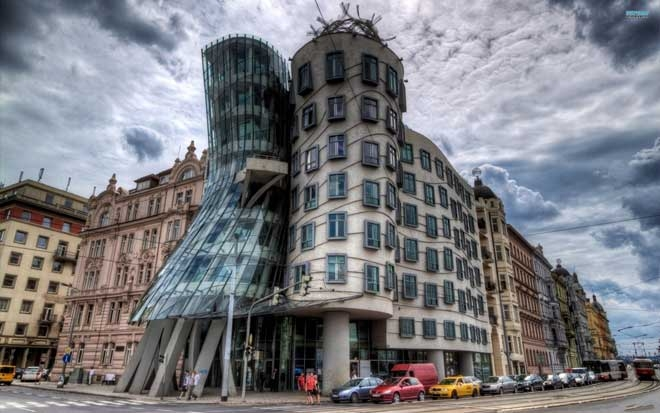 dancing house prague 660x413 c