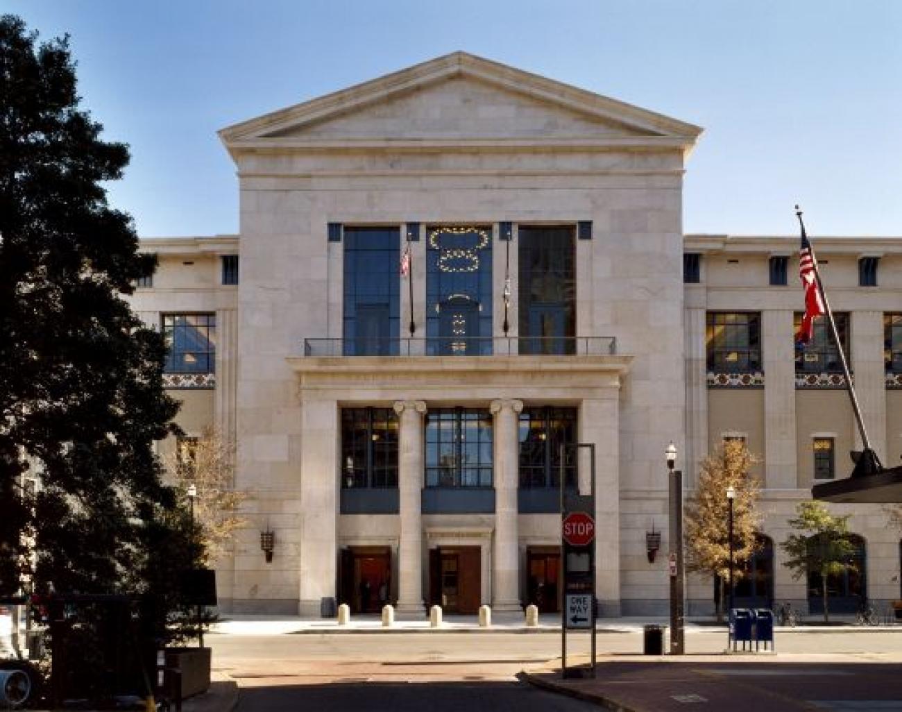 Biblioteca Pública de Nasville 2001 Tennessee EEUU Robert Stern 1300x1026 c