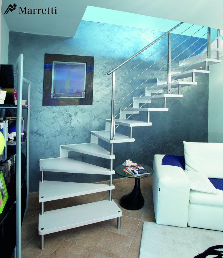 Escaleras de interior flo la nueva colecci n asequible de - Escaleras interiores de madera ...