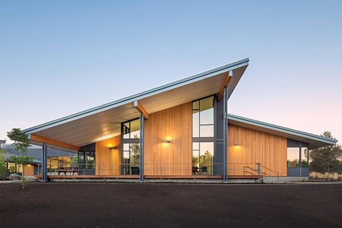 Cascades Academy1 700x467 c