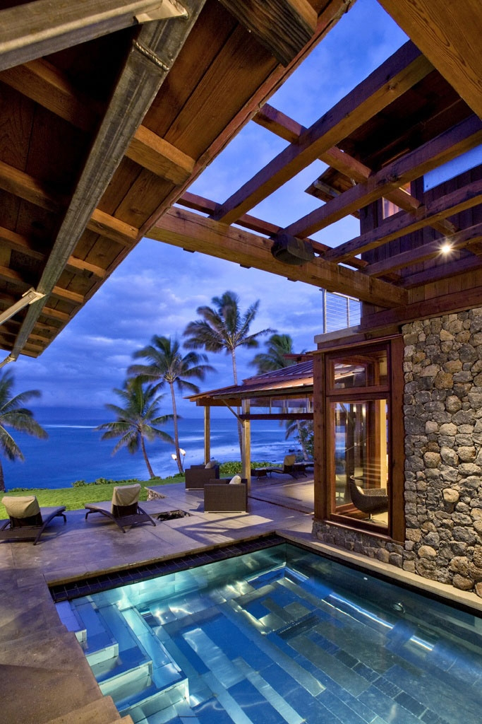 Las 20 piscinas de lujo m s espectaculares timberplan for Beach house plans hawaii