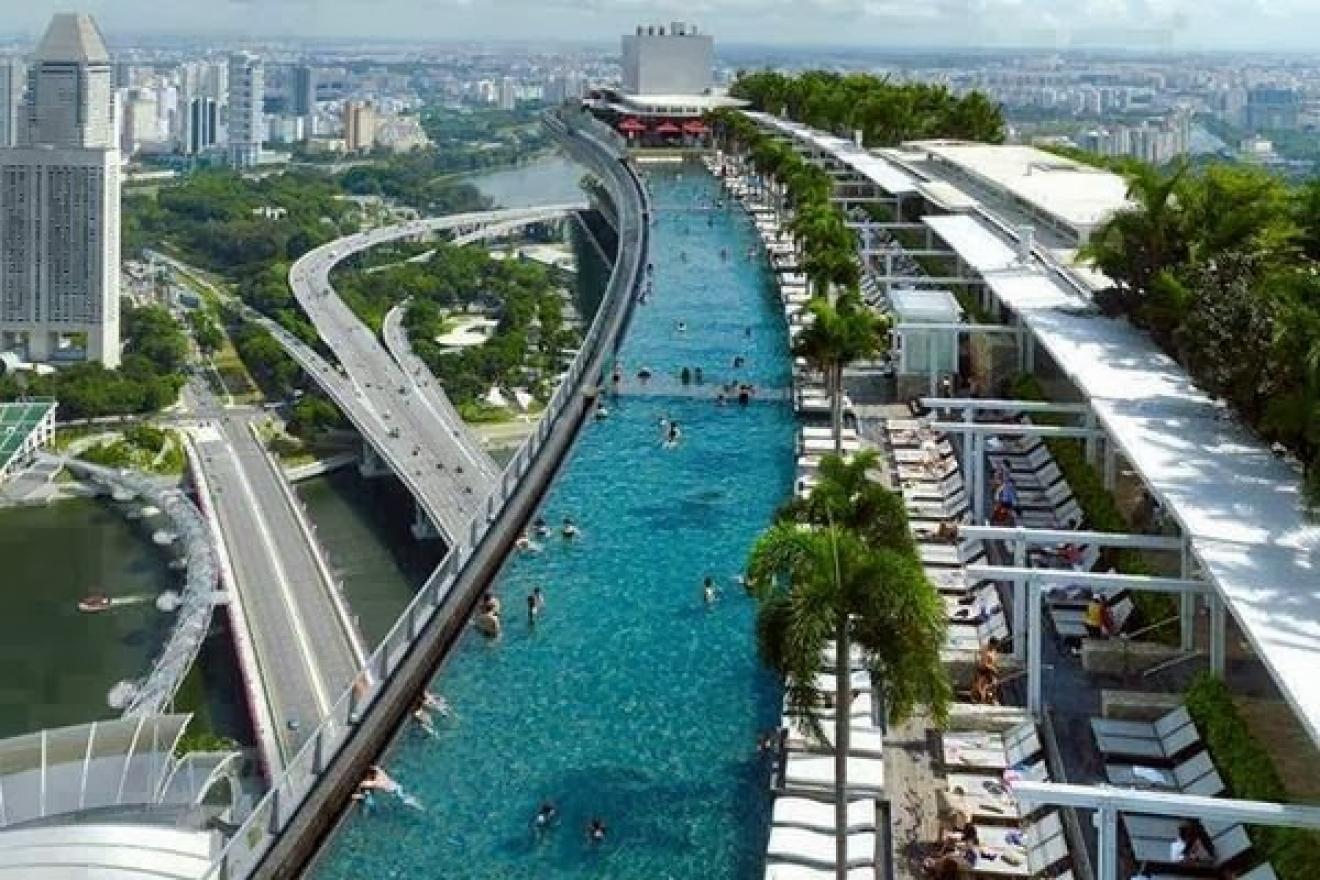 Las 20 piscinas de lujo m s espectaculares timberplan for Mas piscinas