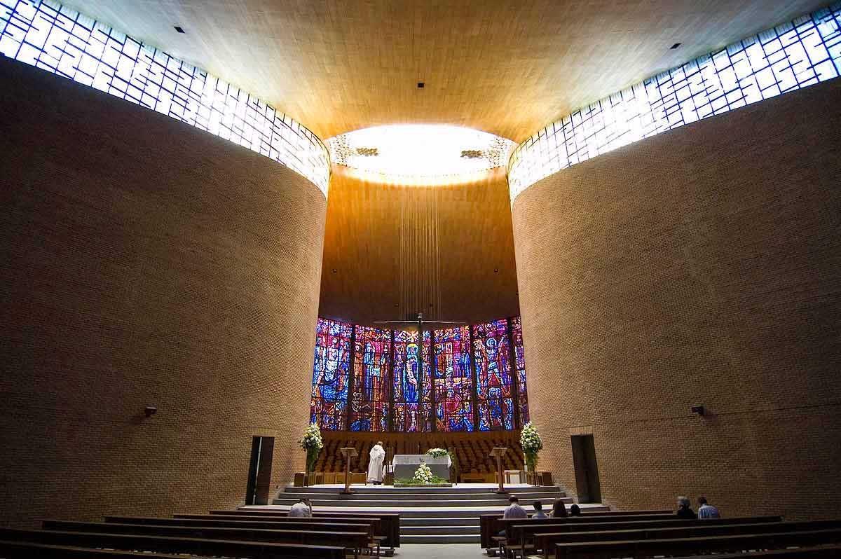 Iglesia de los Padres Dominicos de Alcobendas Fisac 1200x798 c
