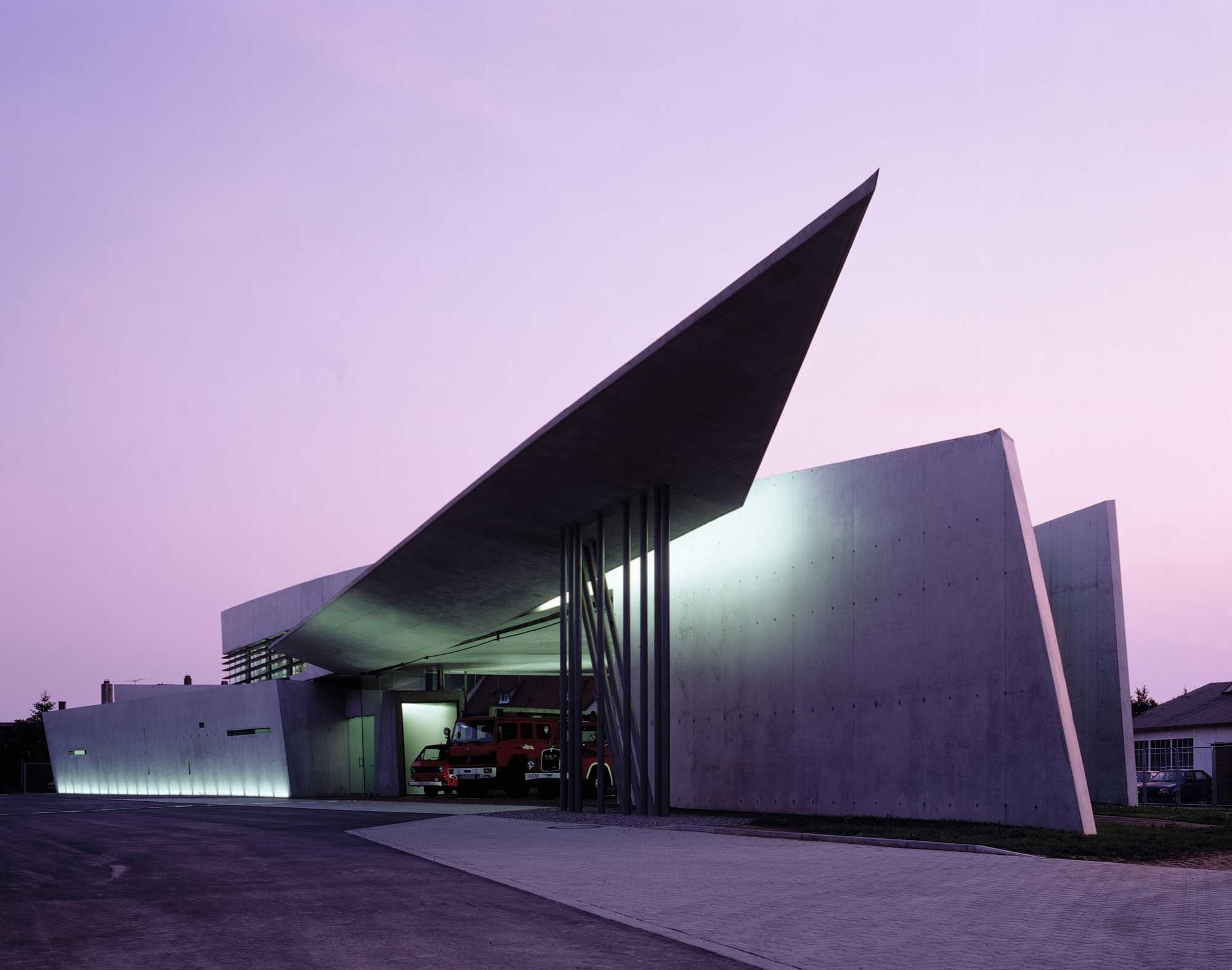 01 Vitra Fire Station Weil am Rhein Germany 2000x1575 c