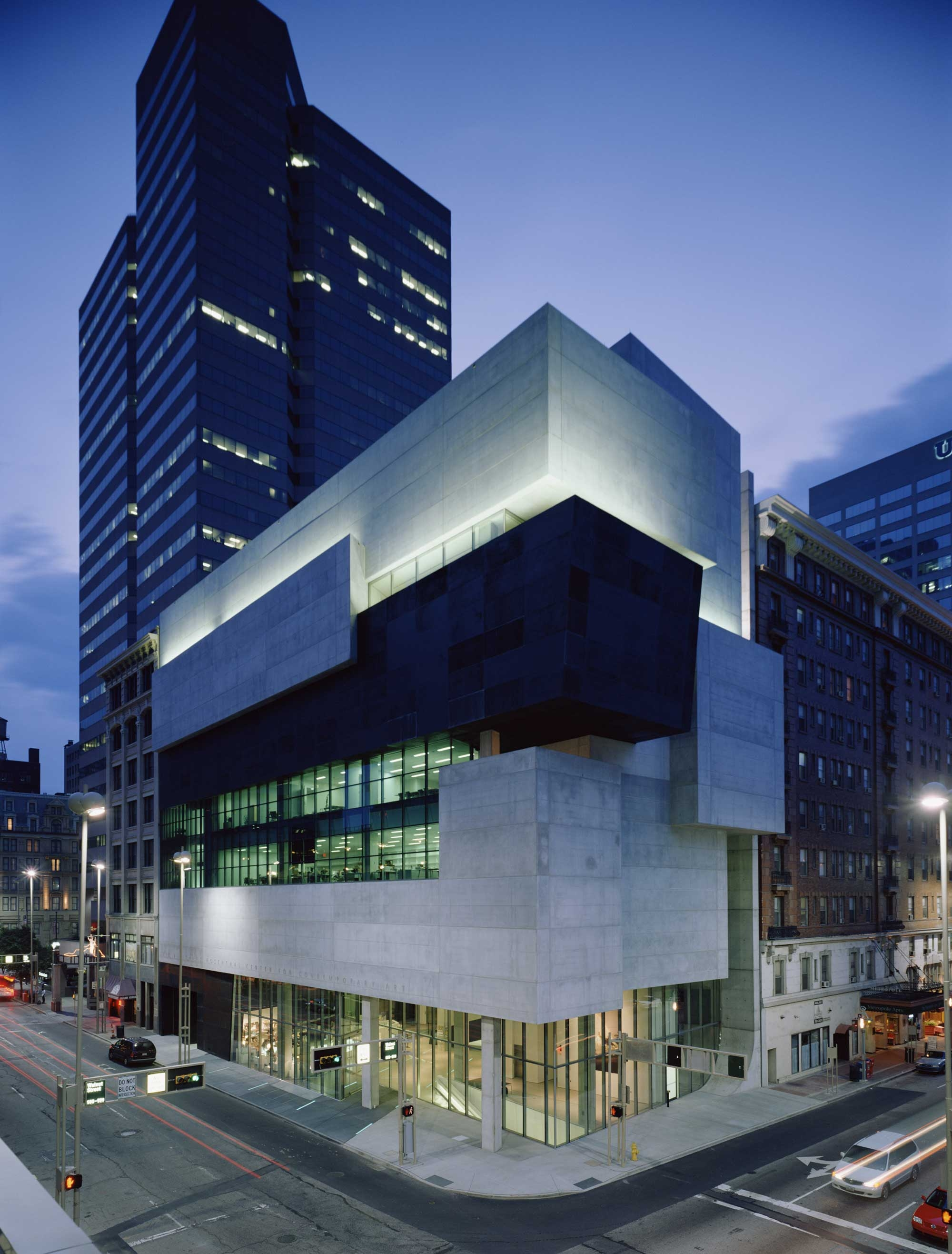 02 Contemporary Arts Center Cincinnati 2000x2633 c