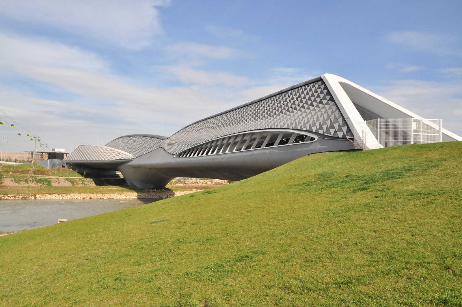 09 zaragoza bridge pavillion zaha hadid architects 1600x1063 c