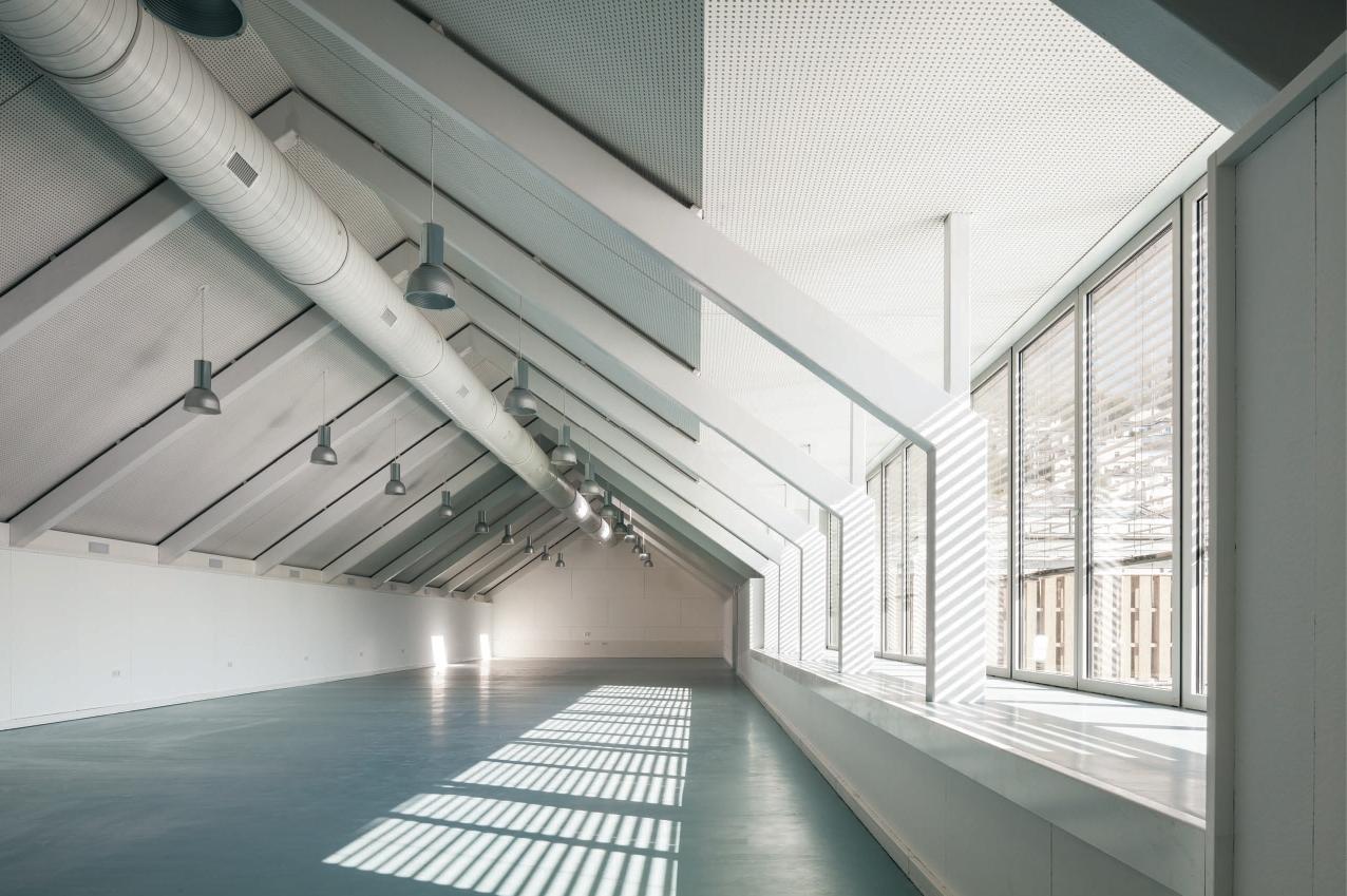 14 Escuela Técnica Superior de Arquitectura en el Antiguo Hospital Militar en Granada. 1276x849 c