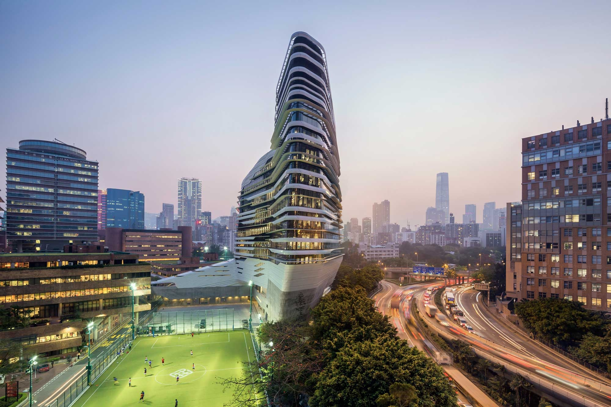 17 Jockey Club Innovation Tower at Hong Kong Polytechnic University 2000x1333 c