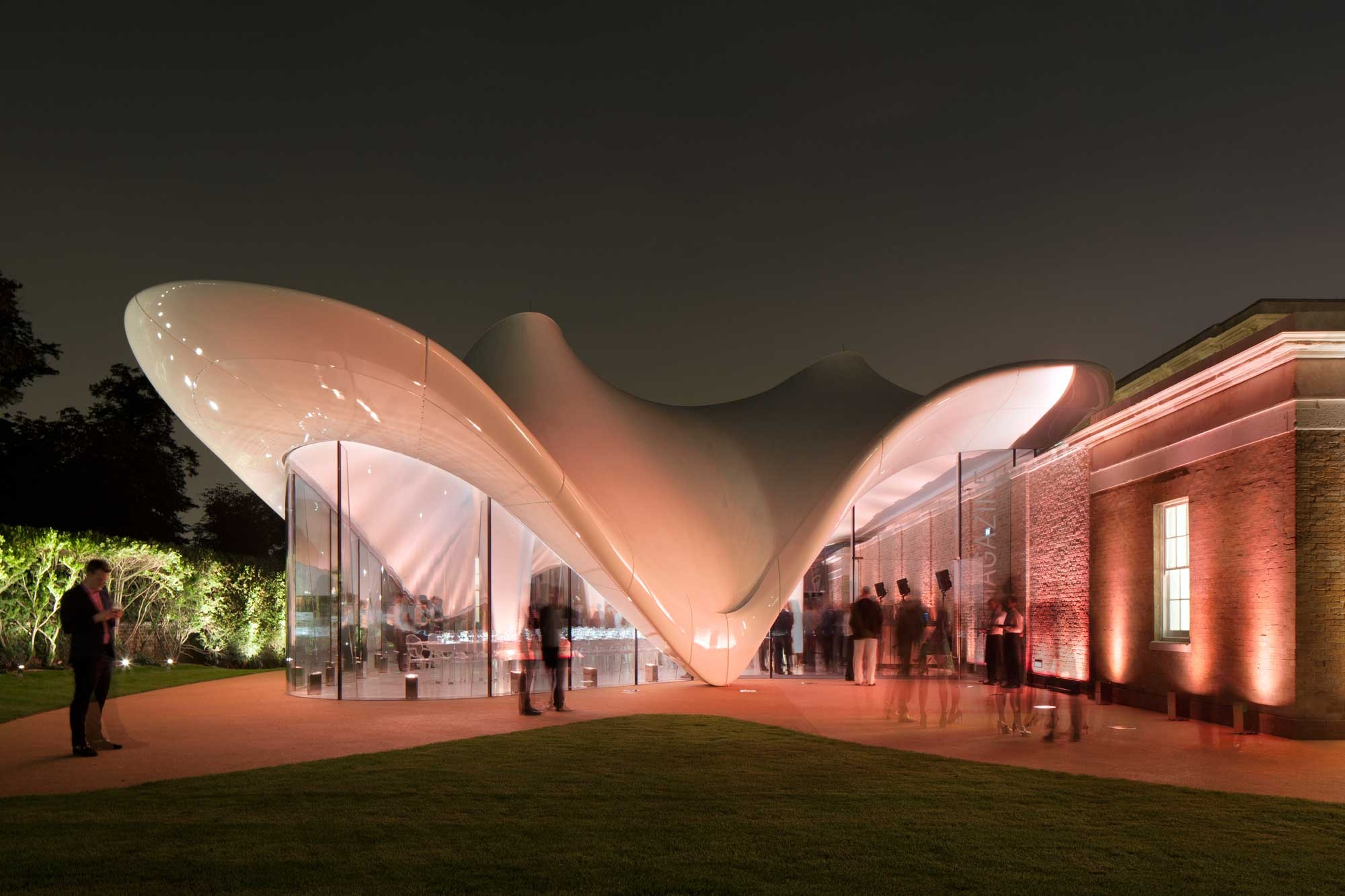 20 Serpentine Sackler Gallery London 2000x1333 c