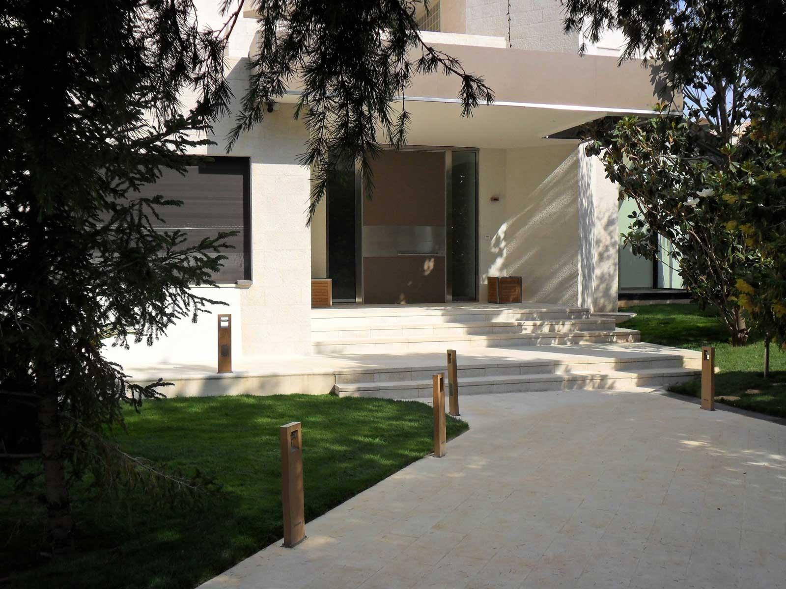 Puertas Oikos Amman 01 1600x1200 c
