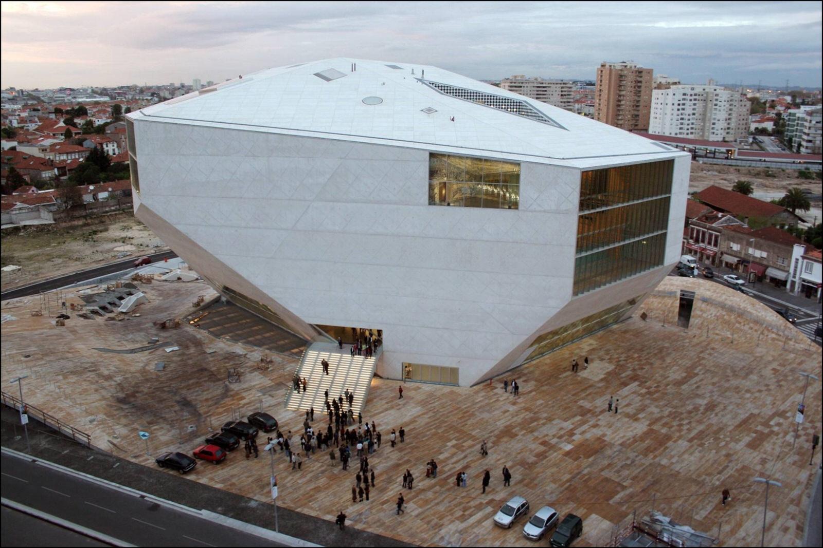 Las mejores obras del arquitecto rem koolhaas timberplan - Casa de la musica oporto ...