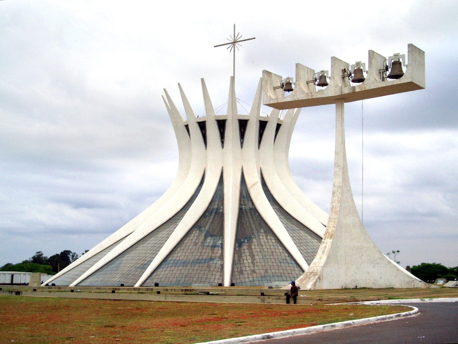 04 OscarNiemeyer Catedral de Brasilia 1600x1200 c