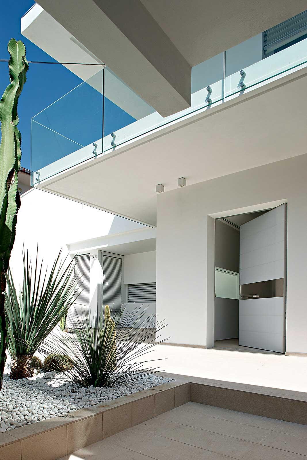 Puertas en vidrio puertas Oikos 6 1067x1600 c