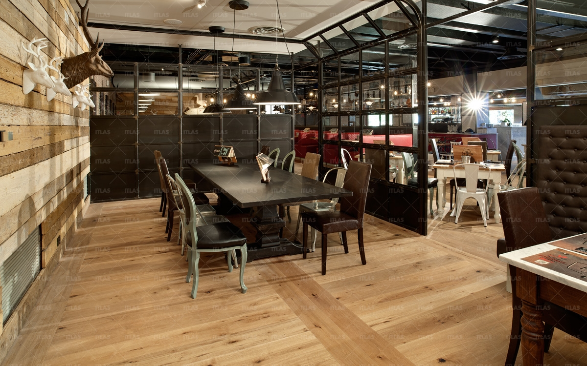Parquet Itlas en restaurante Flamen Co 7 1200x750 c