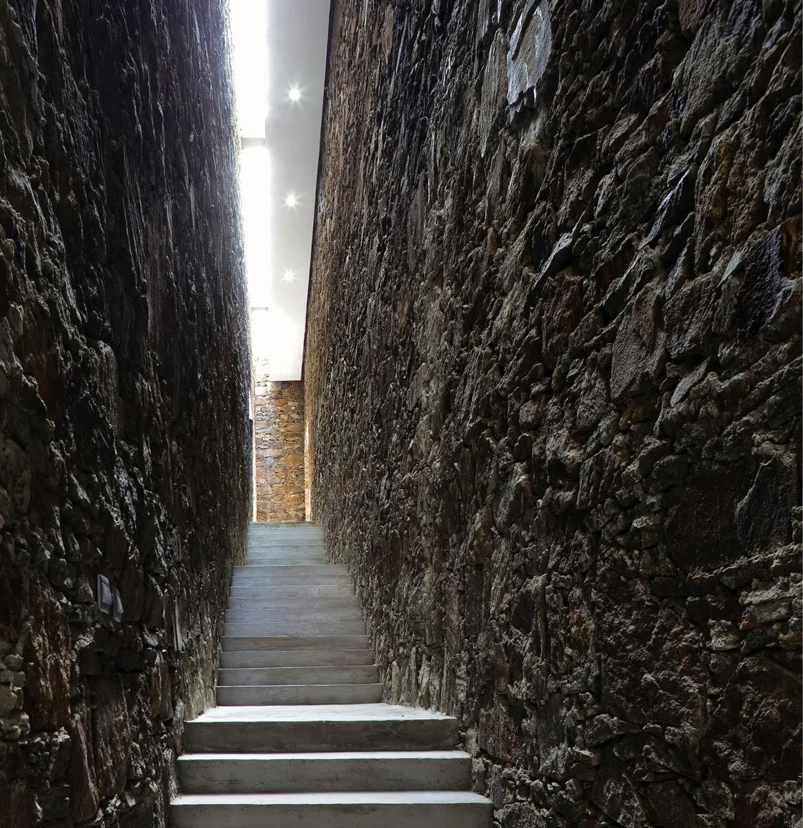 Zhang Ke tibet namcha barwa visitor centre 01 1165x1200 c