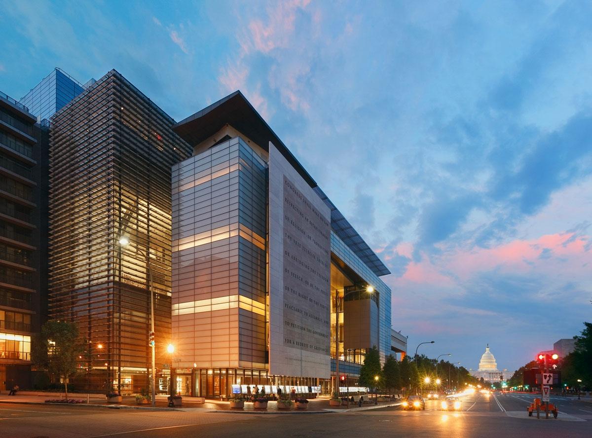 freedom forum foundation world headquarters james stewart polshek 1200x888 c